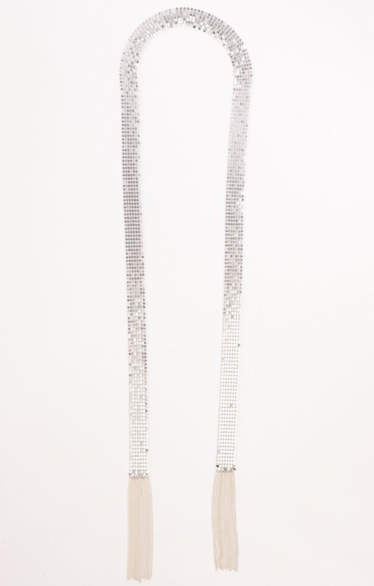 Cravate en métal avec des franges