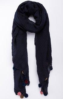 écharpe plissée et pompon