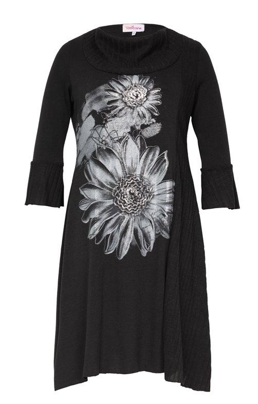 Robe noire col montant avec dessin fleur
