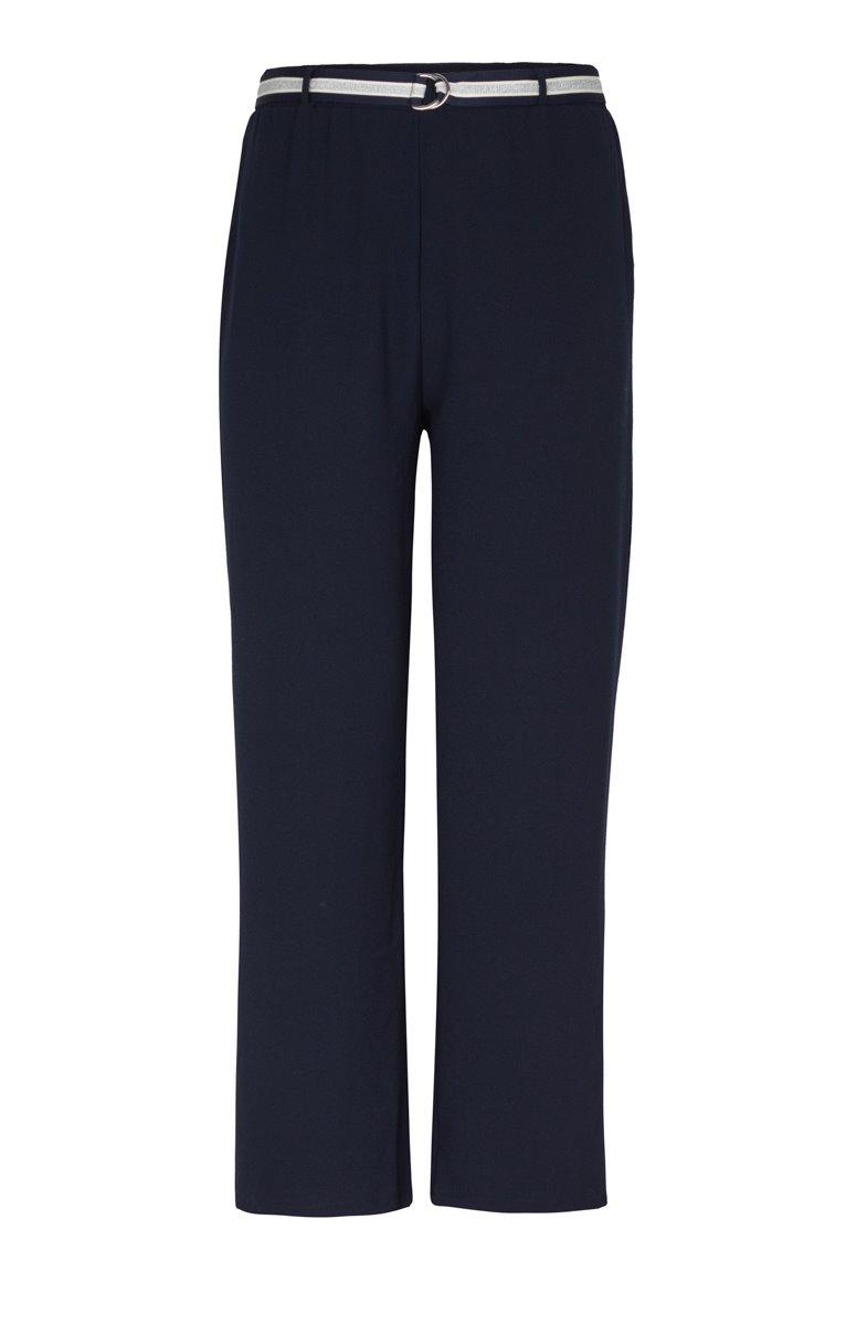 Pantalon évasé et ceinture fine